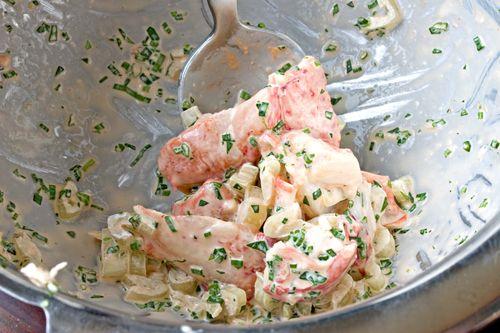 LobsterKnuckleSaladRomaineStems
