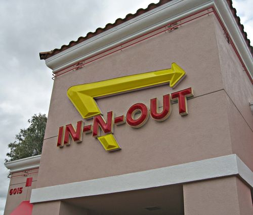 In-N-OutBurgerFacade