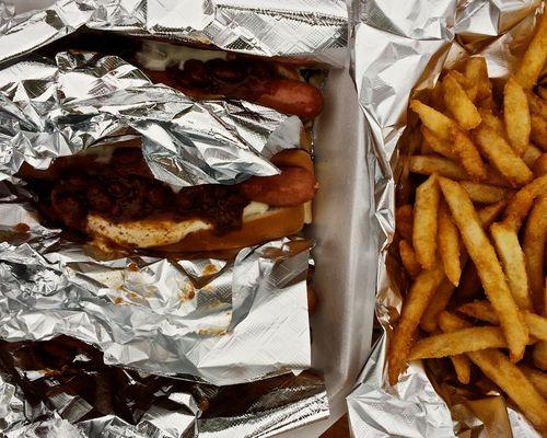 ChiliDogs&Fries
