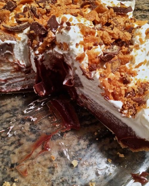 Chocolate-Butterfinger-Pie