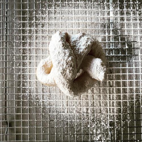 Doughknot